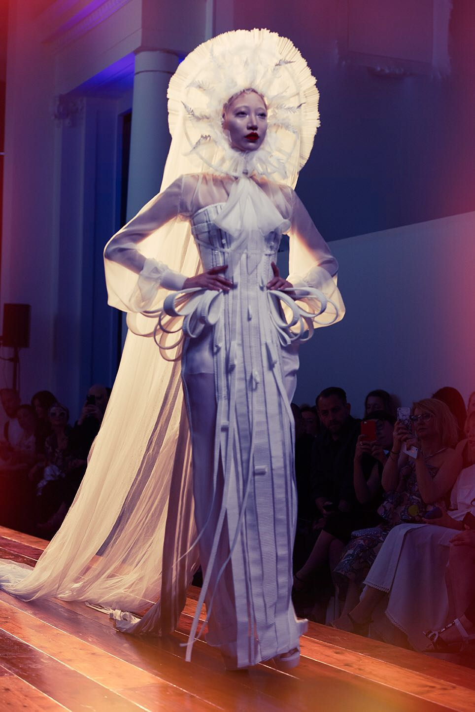 Eng paris fashion week haute couture 39 16 adriana for Haute couture in english